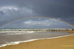Regenbogen am Stand bei Domburg